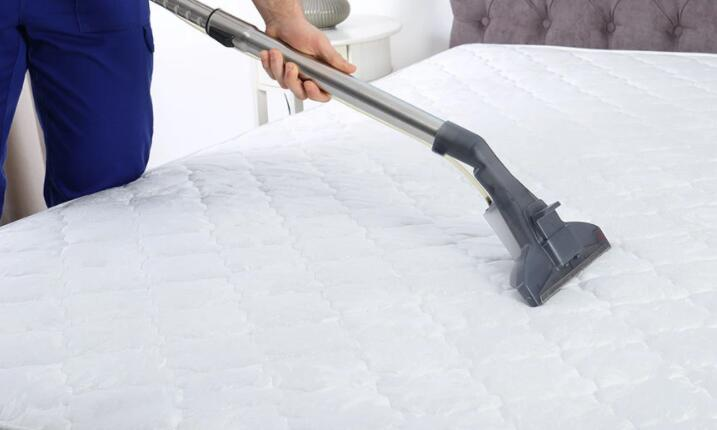 remove dust and germs on mattress with steam cleaner
