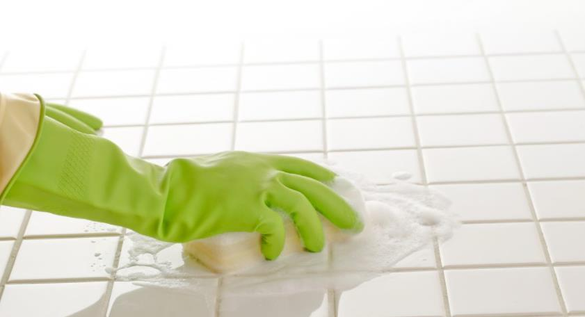 remove efflorescence from grout with backing soda